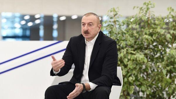 Президент Ильхам Алиев в открытии медицинского учреждения в Баку - Sputnik Azərbaycan