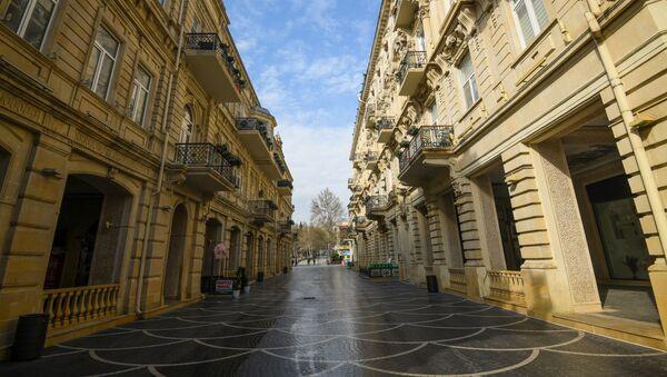 Опустевшая улица Низами в Баку - Sputnik Азербайджан