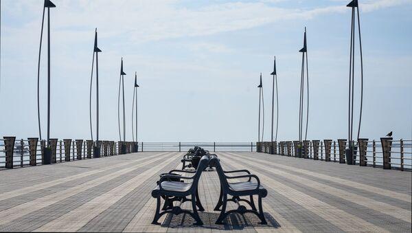 На приморском бульваре в Баку  - Sputnik Азербайджан