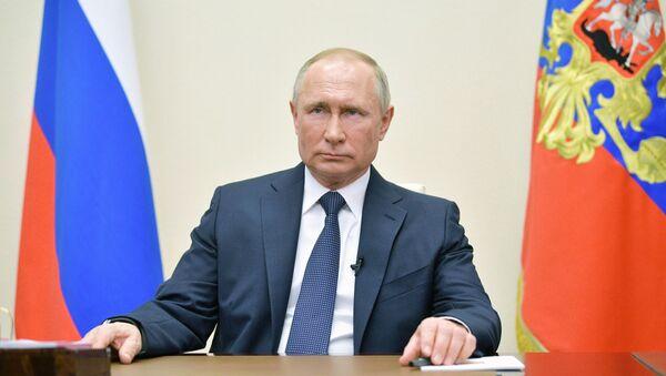 Президент РФ Владимир Путин во время обращения к гражданам, фото из архива - Sputnik Азербайджан