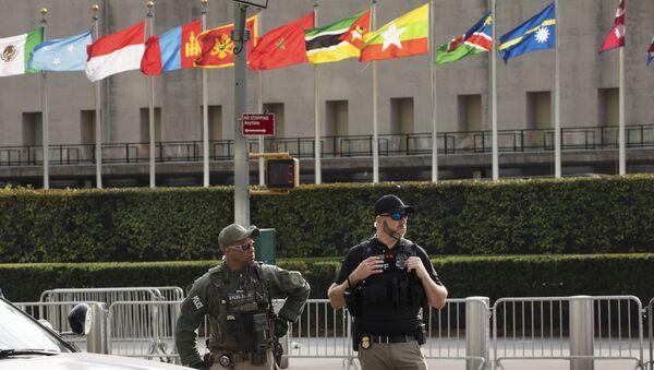 Флаги у здания ООН в Нью-Йорке, фото из архива - Sputnik Азербайджан