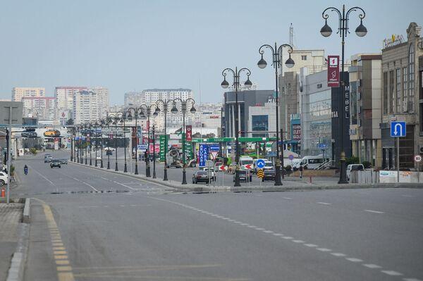 На одной из улиц Баку - Sputnik Азербайджан