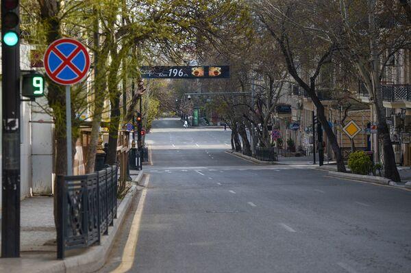 Пустая улица в Баку, фото из архива - Sputnik Азербайджан
