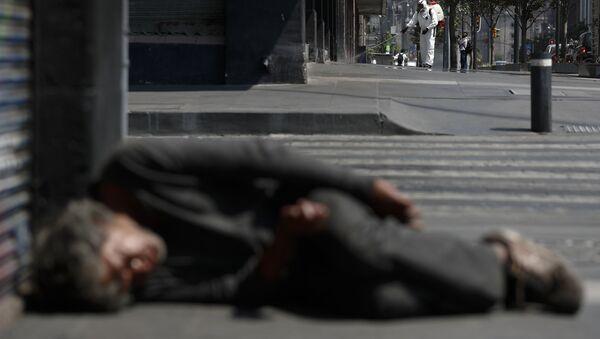 Бездомный, фото из архива - Sputnik Azərbaycan