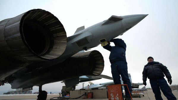 Подготовка к вылету многоцелевого истребителя Су-35, фото из архива - Sputnik Азербайджан