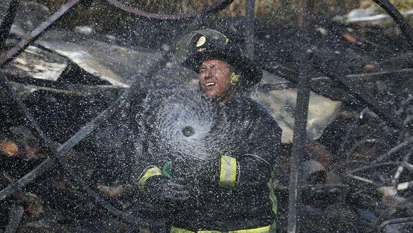 Пожарный, фото из архива - Sputnik Азербайджан