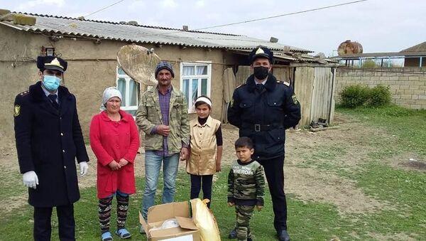 Благотворительная акция в Билясуваре - Sputnik Азербайджан