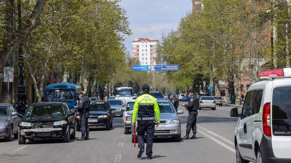 Yol polisi əməkdaşı - Sputnik Azərbaycan