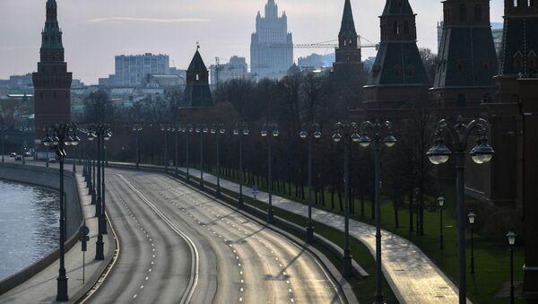 Вид на Кремлевскую набережную с Большого Москворецкого моста, фото из архива - Sputnik Азербайджан
