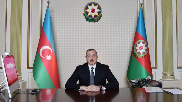 Ильхам Алиев провел совещание в формате видеосвязи с участием министров труда и социальной защиты населения и экономики - Sputnik Азербайджан