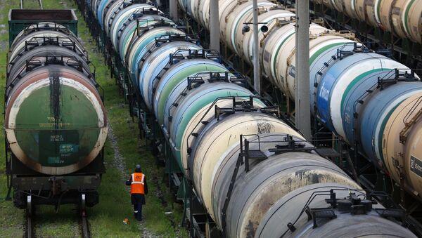 Цистерны для нефтепродуктов - Sputnik Азербайджан