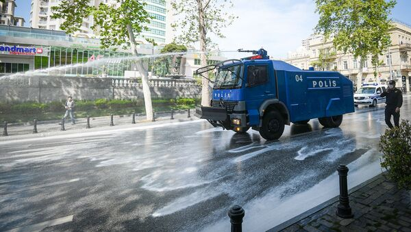 Дезинфекционные работы на улицах Баку - Sputnik Azərbaycan
