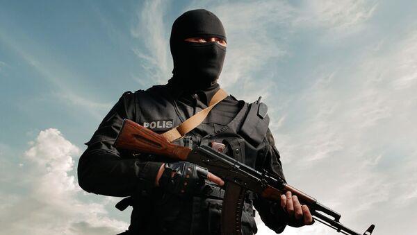 Сотрудник МВД Азербайджана, фото из архива - Sputnik Азербайджан