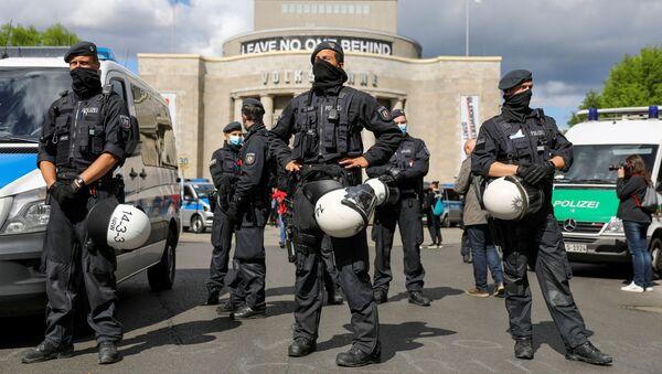 Сотрудники правоохранительных органов в Берлине, фото из архива - Sputnik Азербайджан