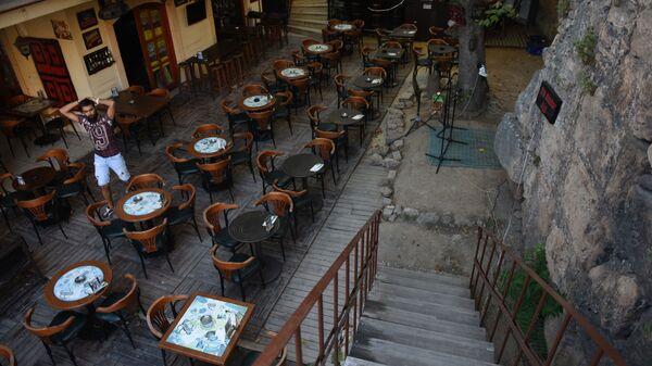 Пустые столики в кафе, Турция - Sputnik Азербайджан