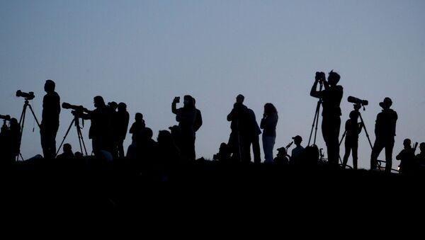 Силуэты представителей СМИ, фото из архива - Sputnik Азербайджан