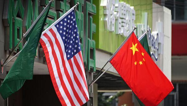 Флаги США и Китая, фото из архива - Sputnik Азербайджан
