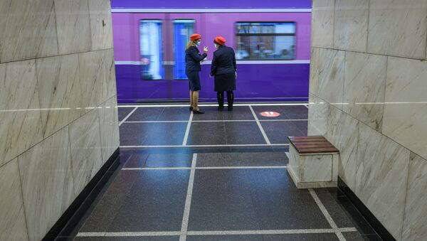 Bakı metrosunda maska rejimi - Sputnik Азербайджан