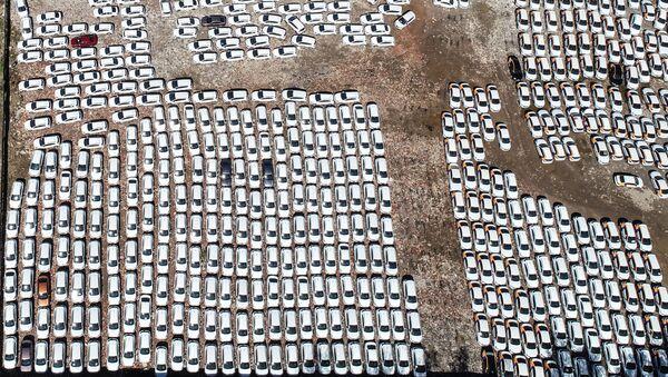 Автомобили на стоянке, фото из архива - Sputnik Азербайджан