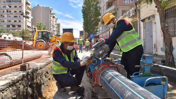 Работы по обновлению и реконструкции сети водоснабжения и канализации - Sputnik Азербайджан