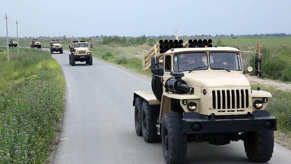 Учения ракетно-артиллерийских подразделений - Sputnik Азербайджан