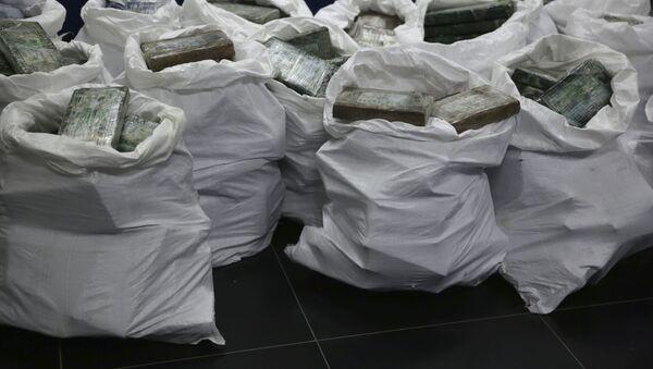 Уничтожение наркотиков, фото из архива  - Sputnik Azərbaycan