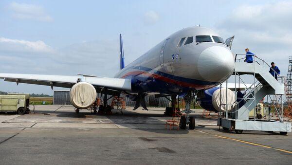 Ту-214ОН, созданный для облета стран-участниц, подписавших договор по открытому небу - Sputnik Азербайджан