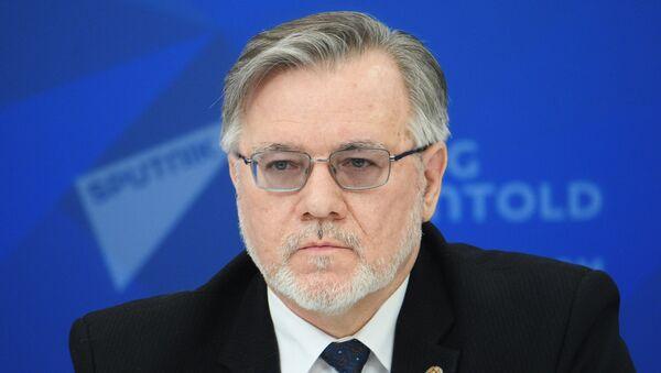 Профессор МГИМО МИД России Сергей Лузянин - Sputnik Азербайджан
