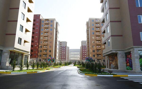Жилой комплекс Гобу Парк-3 в Гарадагском районе Баку, возведенный для вынужденных переселенцев - Sputnik Азербайджан