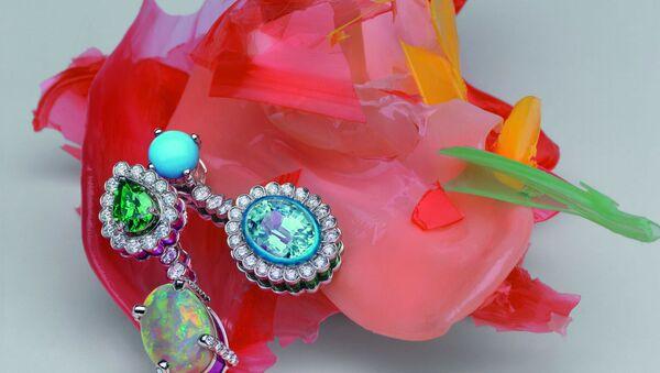 Dior представил новую коллекцию высокого ювелирного искусства Dior et Moi - Sputnik Азербайджан
