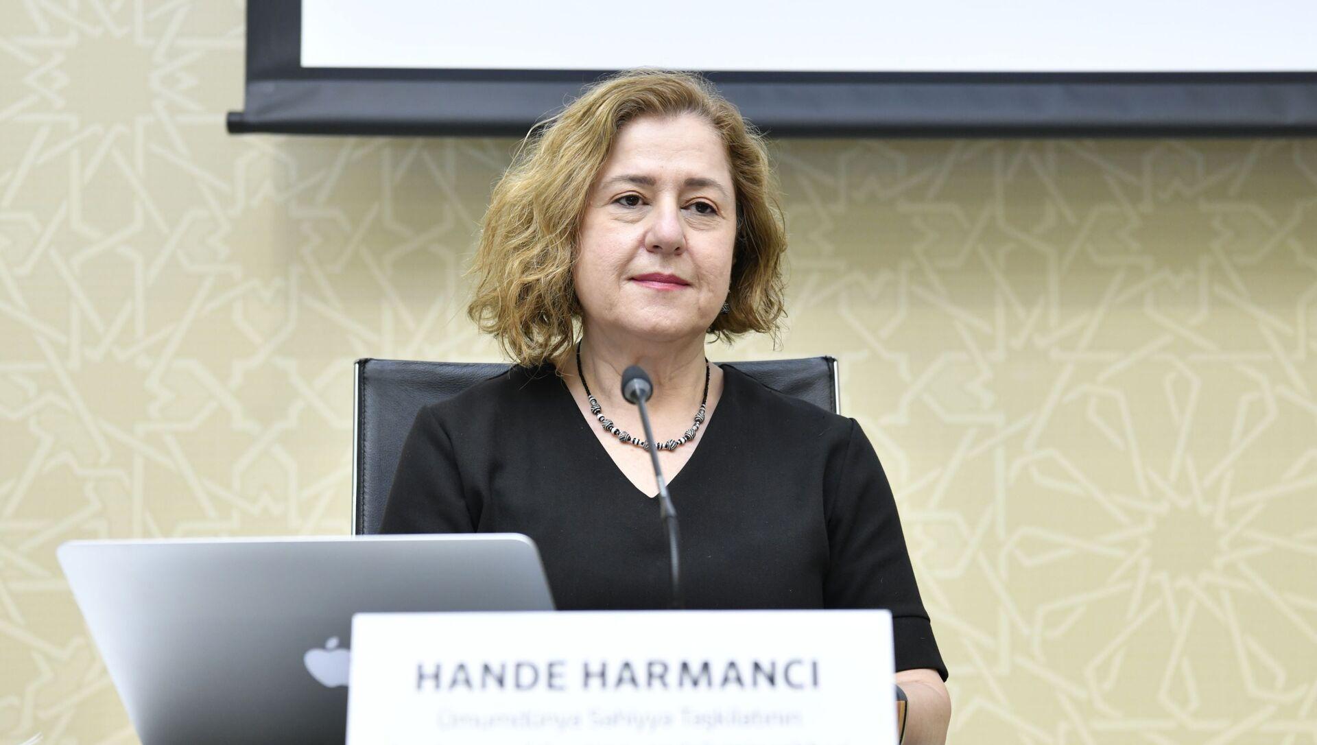 Представитель Всемирной организации здравоохранения (ВОЗ) в Азербайджане Ханде Харманджи  - Sputnik Азербайджан, 1920, 11.08.2021