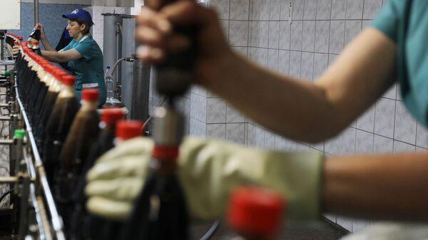 Spirtsiz içkilərin hazırlanması, arxiv şəkli - Sputnik Azərbaycan