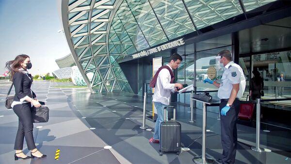Работа аэропорта Гейдар Алиев во время пандемии, фото из архива - Sputnik Азербайджан