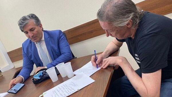 Азербайджанский адвокат Михаила Ефремова Эльман Пашаев - Sputnik Азербайджан