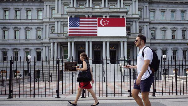 Флаги Сингапура и США, фото из архива - Sputnik Азербайджан