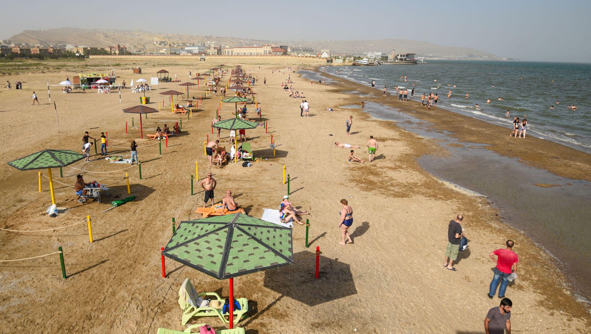 Открытие пляжного сезона в Баку, фото из архива - Sputnik Azərbaycan, 1920, 28.08.2021