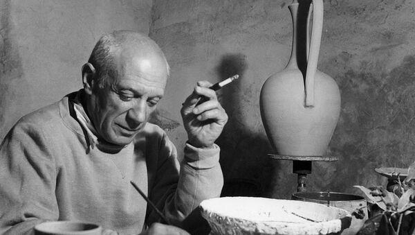 Палитра Пабло Пикассо продана с аукциона за $70 тысяч - Sputnik Азербайджан