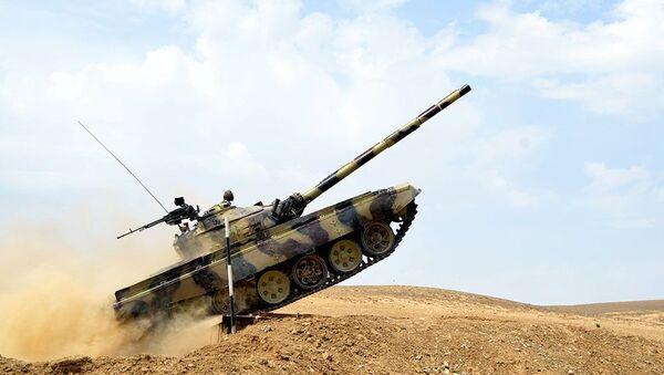 Танковый экипаж Вооруженных сил Азербайджана - Sputnik Азербайджан