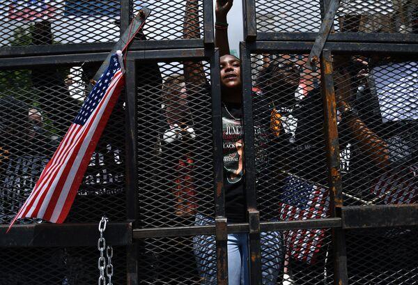 Участники протестов в Талсе, Оклахома  - Sputnik Азербайджан