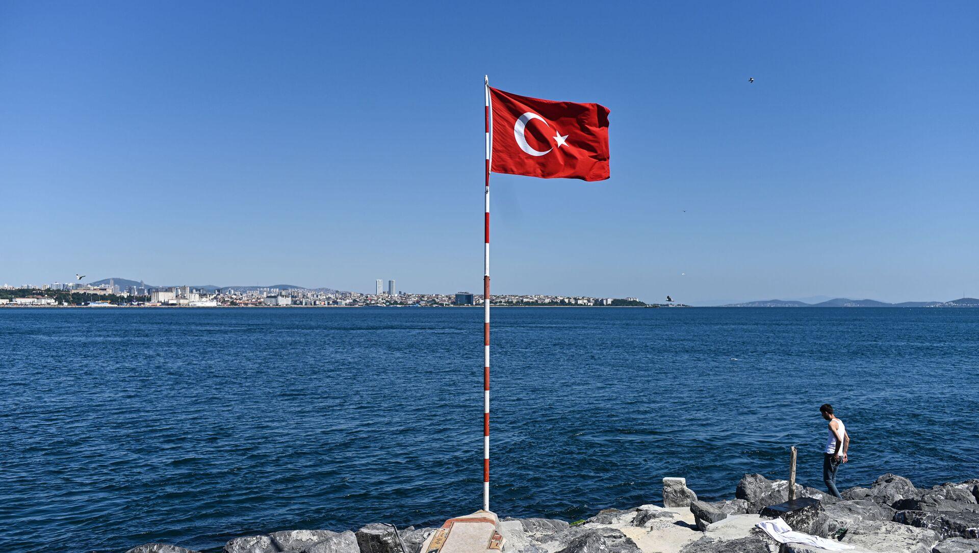 Флаг Турции, фото из архива - Sputnik Azərbaycan, 1920, 05.05.2021