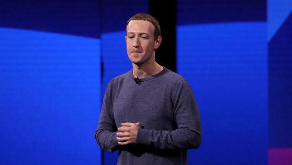 Facebook потерял более $7 млрд из-за отказа брендов от рекламы - Sputnik Азербайджан