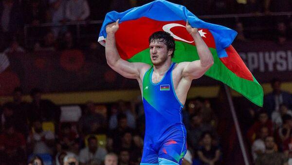 Азербайджанский борец Нурмагомед Гаджиев - Sputnik Азербайджан