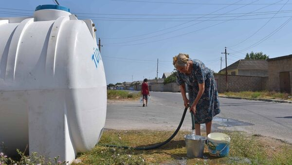 Водные резервуары, установленные в Нефтчале - Sputnik Azərbaycan