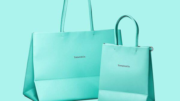 Упаковочный пакет как источник вдохновения Tiffany & Co.  - Sputnik Азербайджан